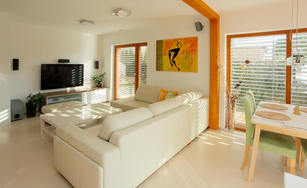高性能住宅における日射遮蔽効果最適商材外付けブラインド「イソトラ」 画像3