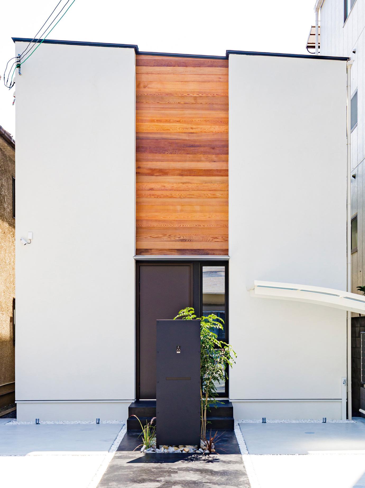 リビングと庭がつながる明るい家 画像1